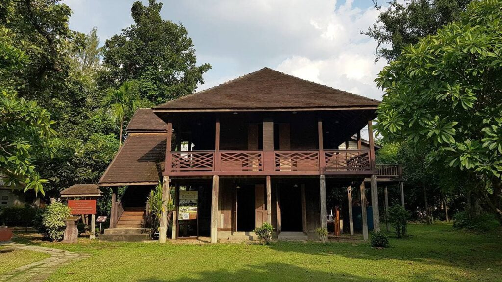 บ้านทรงปั้นหยาโบราณ  ราคาเท่าไหร่